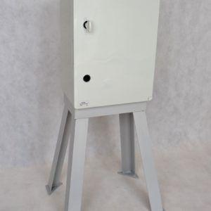 Skrzynka elektryczna IP65 400x600x200 ze stojakiem