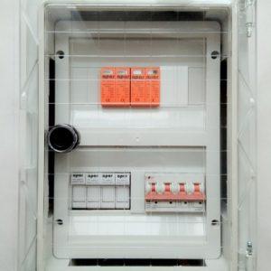 Rozdzielnica z wyłącznikiem 500 VDC Rozdzielnica fotowoltaika DC 2 stringi